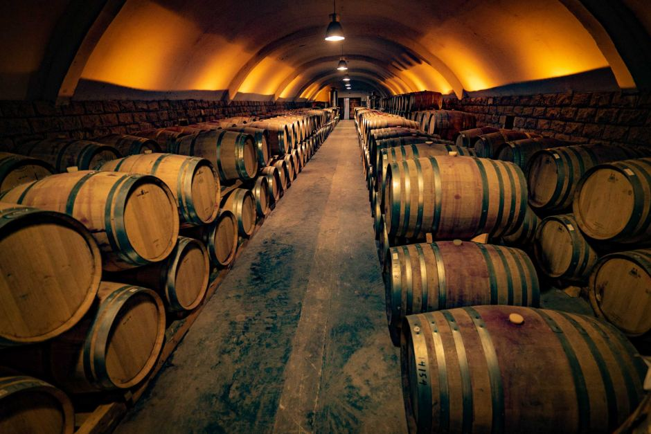 aging the wine